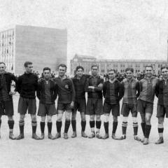 Amb el F.C.Barcelona (segon per la dreta)