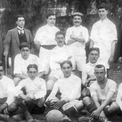 Amb la Selecció Catalana el 3 de Gener de 1915 al Camp de San Mamés a Bilbao. Va perdre la Selecció Catalana per 6-1. Alineació: L. Bru; Rec, S. Massana, Bau (assegut al centre amb la pilota), Pomés, Ponsa, Monistrol, Armet, Castells, López i E. Peris.